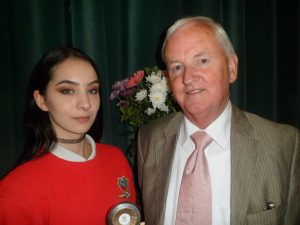 Blaithin Kellyreceives the Padraic Gilmore Art Appreiation Award from Billy Hannon